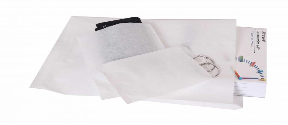 bílé papírové sáčky, různé velikosti